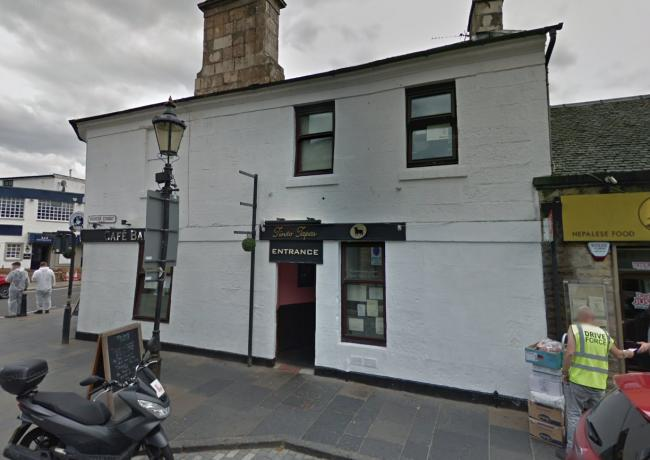 Man rushed to hospital after suffering broken jaw in restaurant attack