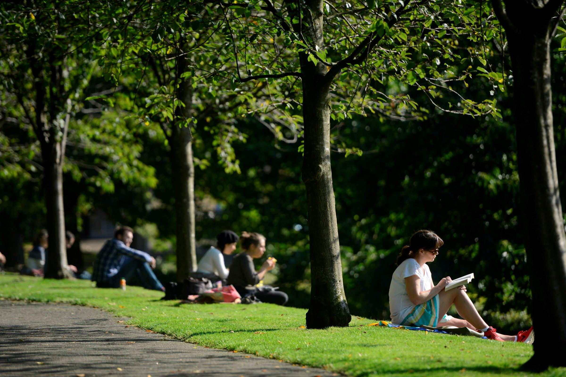 Taps aff! Glasgow set for scorching hot weekend with highs of 20C