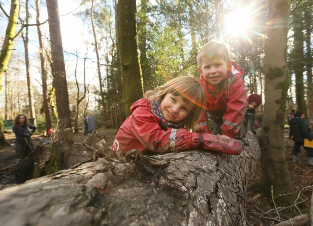 East Kilbride Connect: Care inspectorate My World Outdoors resource launch at the Woodland Outdoor Kindergarten in Pollok Country park, Glasgow. Pictured are Ruben Millard age 3, left and Oliver Mason age 4...   Photograph by Colin Mearns.9 MARCH 2016.