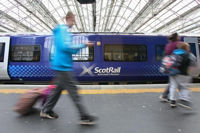 Delays for Glasgow Central Station-bound train service amid signal fault